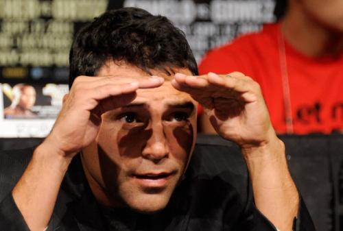 De La Hoya Checks Back Into Rehab