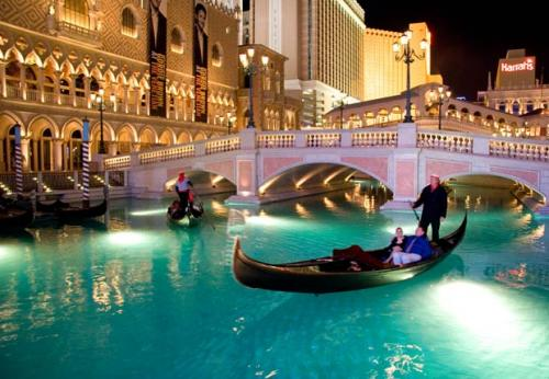 Top Outdoor Fall Dates In Las Vegas